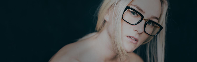 Women's Glasses Top Banner